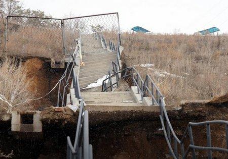 Лестница стоимостью 2,5 млрд рублей рухнула в Тольятти