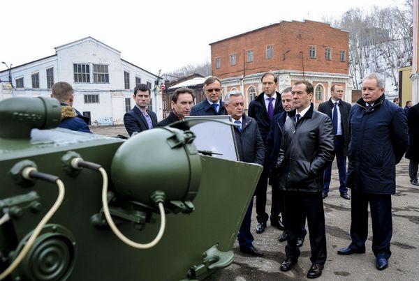 Дмитрий Медведев посетил производственные цеха «Мотовилихинских заводов»
