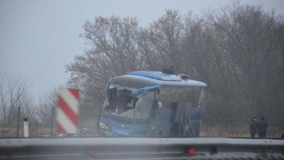 Под Самарой опрокинулся автобус с узбеками, пострадали трое
