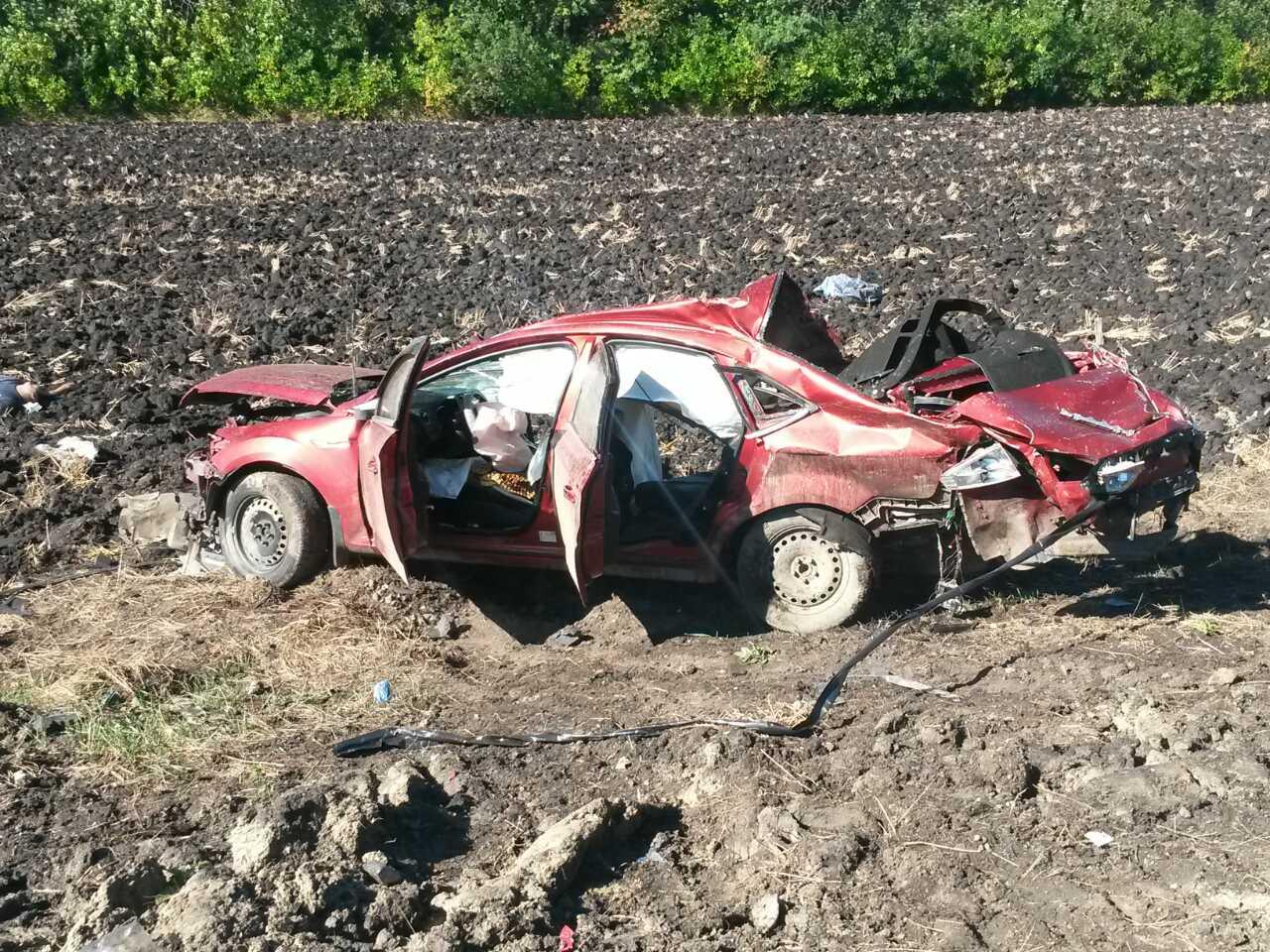 В страшной аварии под Саратовом погибли четыре человека