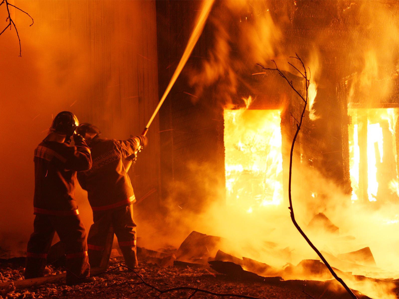 Четыре человека погибли при пожаре в Удмуртии