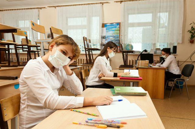 Саратовские школьники и студенты ушли на внеочередные каникулы из-за гриппа и ОРВИ