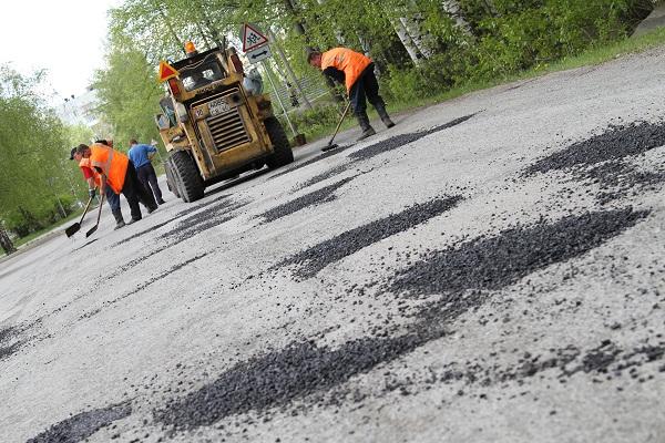Власти Прикамья потратят 4 млрд рублей на ремонт местных дорог