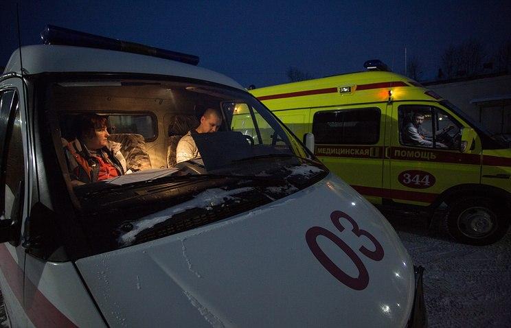 В столкновении ВАЗа с грузовиком под Саратовом погибли четыре человека