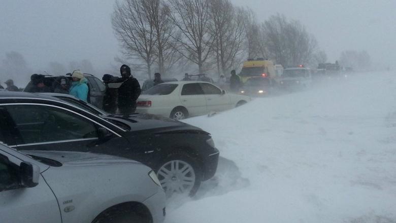Трасса «Оренбург-Орск» частично перекрыта из-за метели