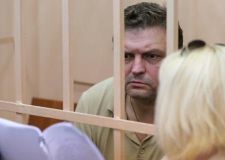 Экс-губернатору Белых предъявлено еще одно обвинение во взятке
