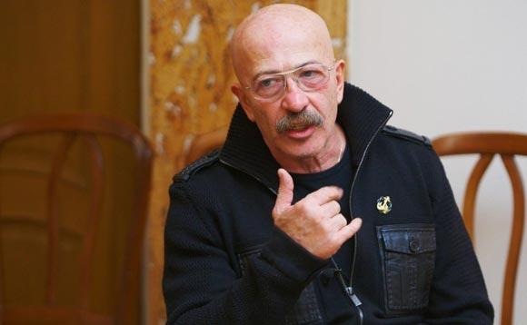 Розенбауму сломали три ребра на концерте в Саратове