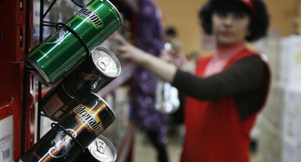 В Саратовской области запретили продавать подросткам энергетики и электронные сигареты