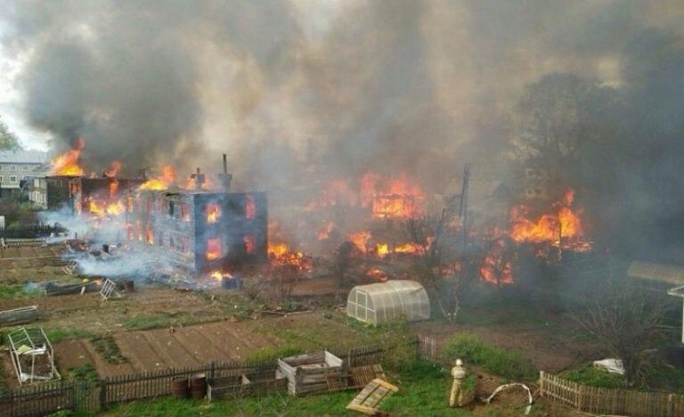 В Кировской области сгорели четыре многоквартирных дома