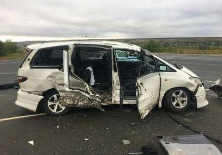 В крупном ДТП на окраине Саратова пострадали девять человек
