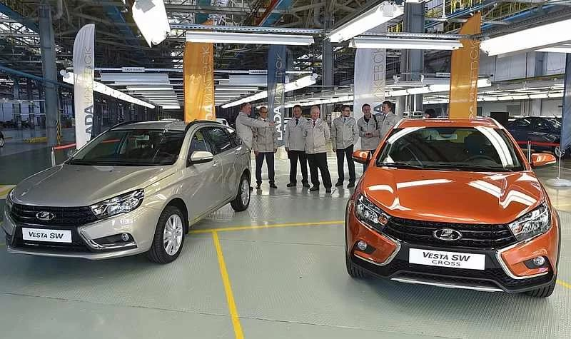 Власти Удмуртии закупят для своего автопарка новые модели Lada Vesta SW и Lada Vesta SW Cross