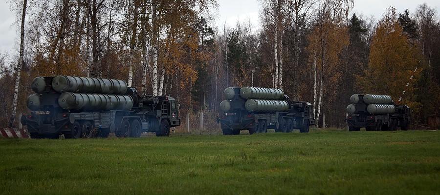 «Алмаз-Антей» сообщил о передаче Минобороны третьего полкового комплекта ЗРС С-400 «Триумф»