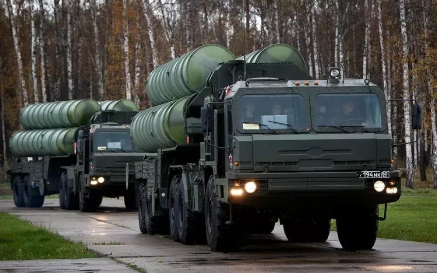Российские подразделения ПВО усилил полк С-400