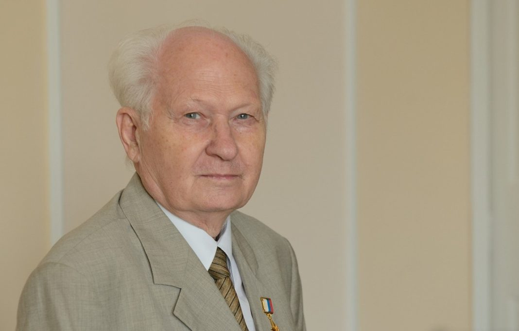 80-летний юбилей отмечает научный руководитель концерна «Алмаз-Антей» Павел Камнев