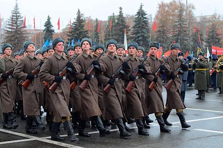 В Самаре на площади Куйбышева пройдёт реконструкция военного парада 1941 года