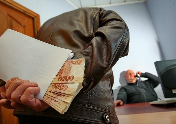 Средний размер взятки в Саратовской области за год вырос в пять раз