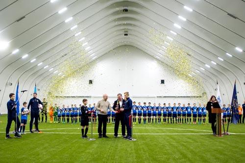 Новый крытый футбольный манеж открыл «Алмаз-Антей» в Петербурге