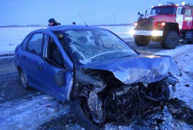 Три человека погибли и двое пострадали в ДТП в Курганской области
