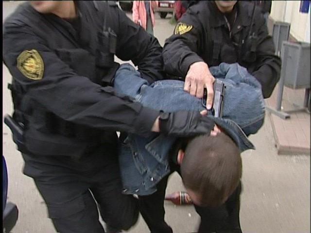 В Саратовской области задержали четырех подозреваемых в нападении на полицейского