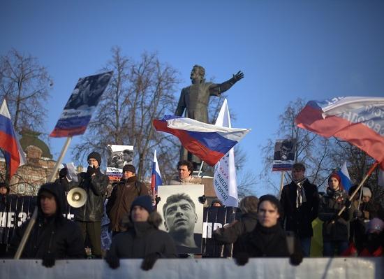 Акции в память о Борисе Немцове прошли в городах Поволжья
