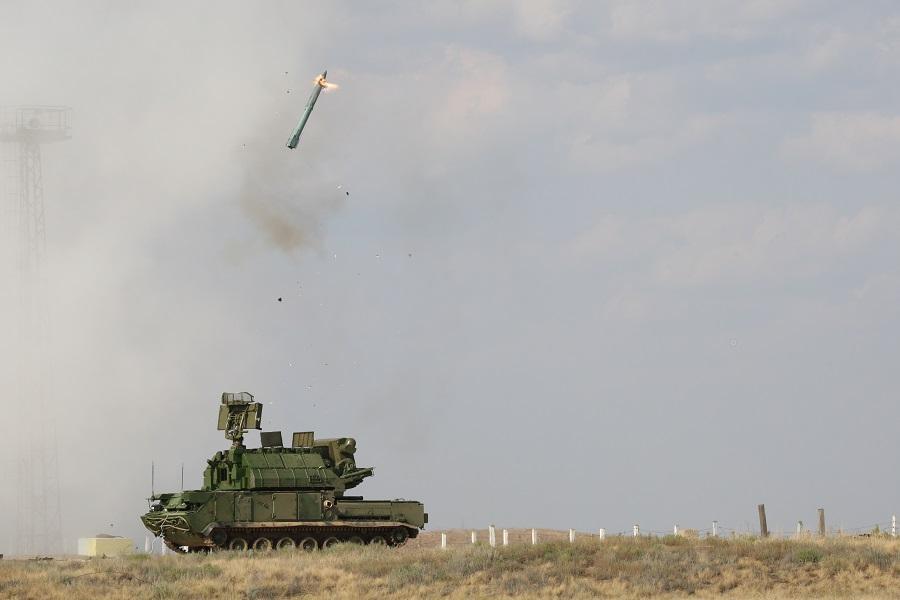 Расчеты ЗРК «Тор-М2» успешно поразили крылатые ракеты на полигоне Капустин Яр