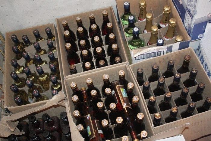 Под Тольятти ликвидирован крупный цех по производству поддельной водки и коньяка