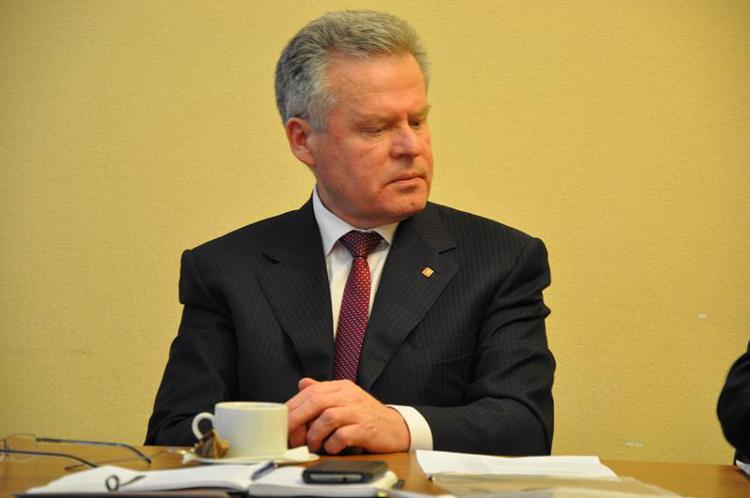 Свердловский чиновник заключен под домашний арест за взяточничество