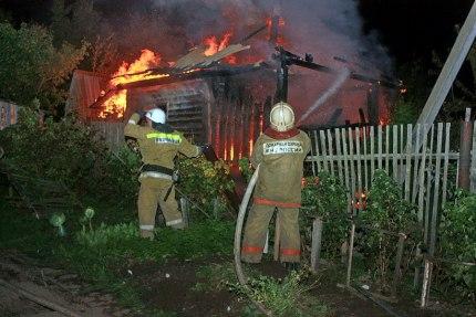 Пожар унес жизни троих жителей села в Оренбуржье