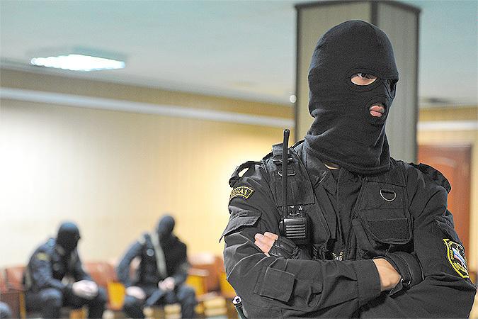 Силовики проводят обыски в транспортном управлении мэрии Саратова