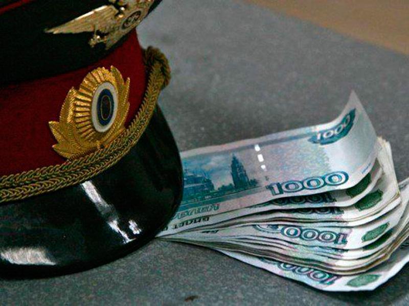 Четверо полицейских из Саратова стали фигурантами дела о взяточничестве