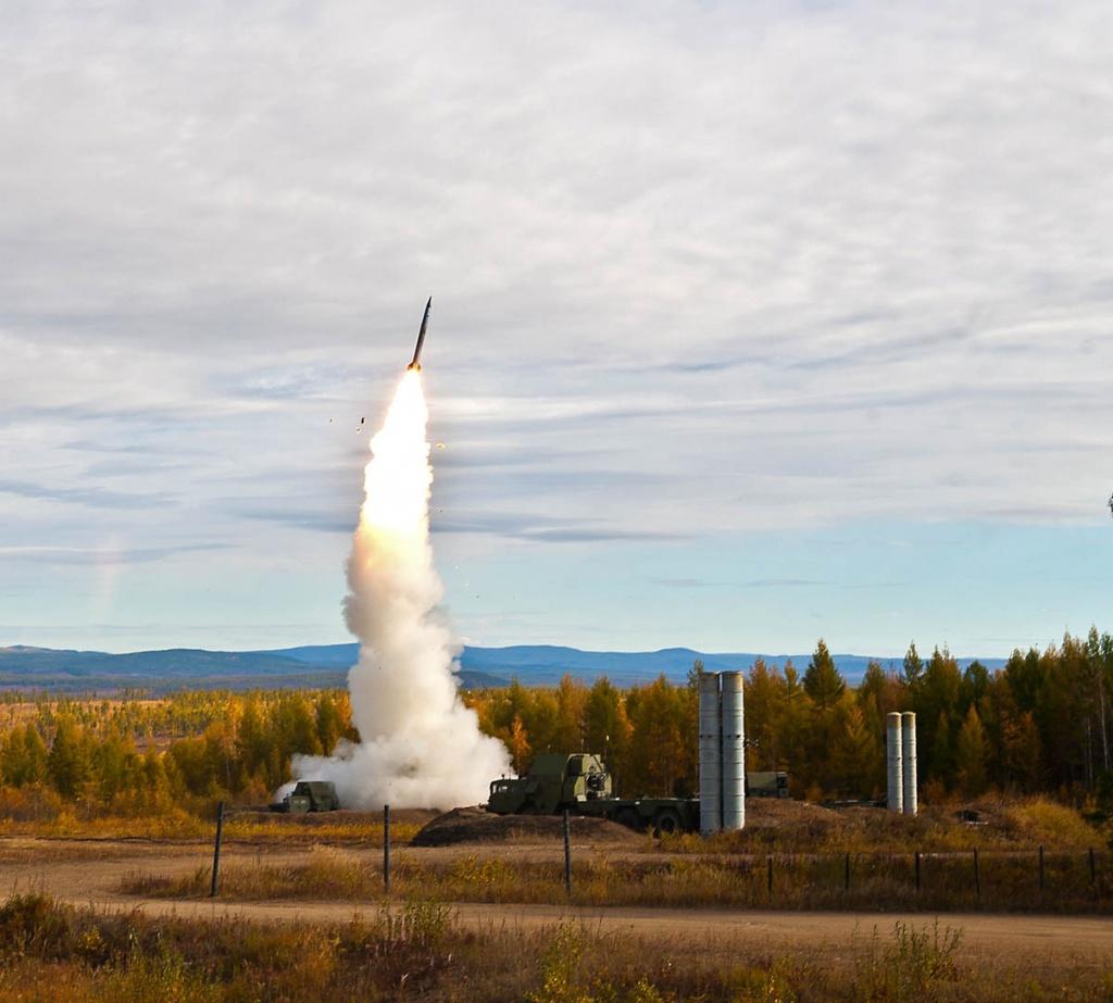 Новая дальнобойная ракета для С-400 поступит на вооружение войсковой ПВО до конца лета