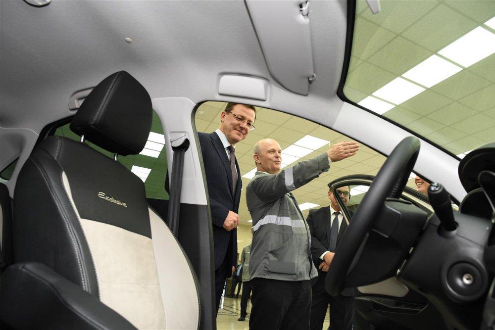 Самарский губернатор станет первым владельцем спортивной Lada Vesta