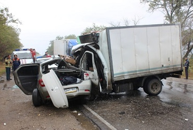 Пять человек погибли в ДТП под саратовским Балаково