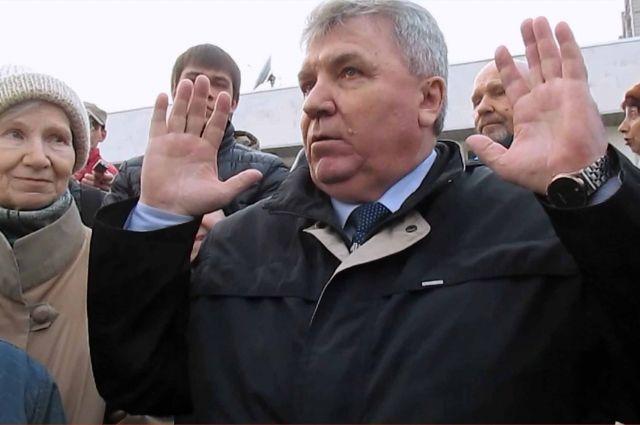 Мэр Ульяновска сократил зарплату себе и своим замам