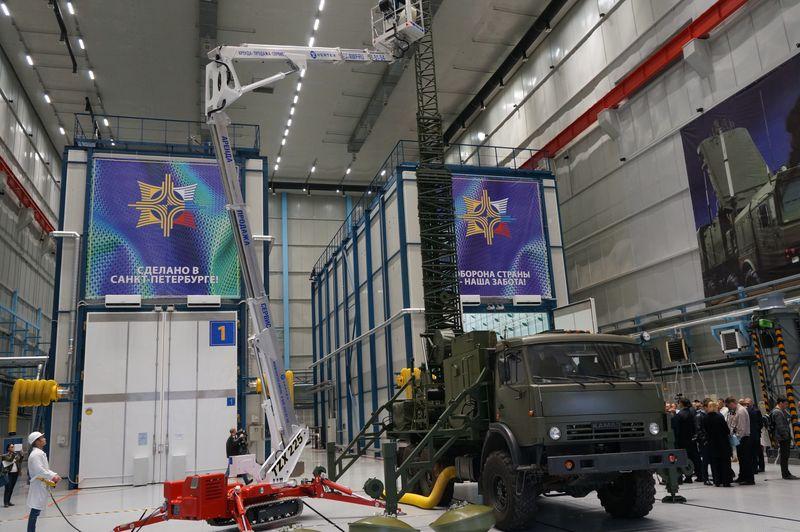 Соглашение о подготовке специалистов для предприятий Концерна ВКО «Алмаз – Антей» подписали в Петербурге