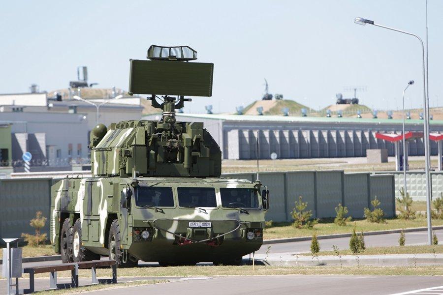 На охрану строящейся БелАЭС заступили ижевские ЗРК «Тор-М2»