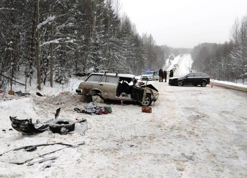 В Кировской области в ДТП погибли два ребенка и водитель