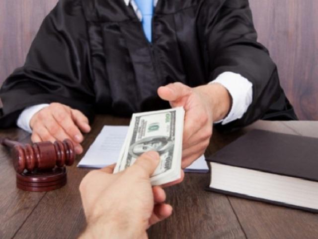 Судья задержан в Тольятти по подозрению в получении взятки