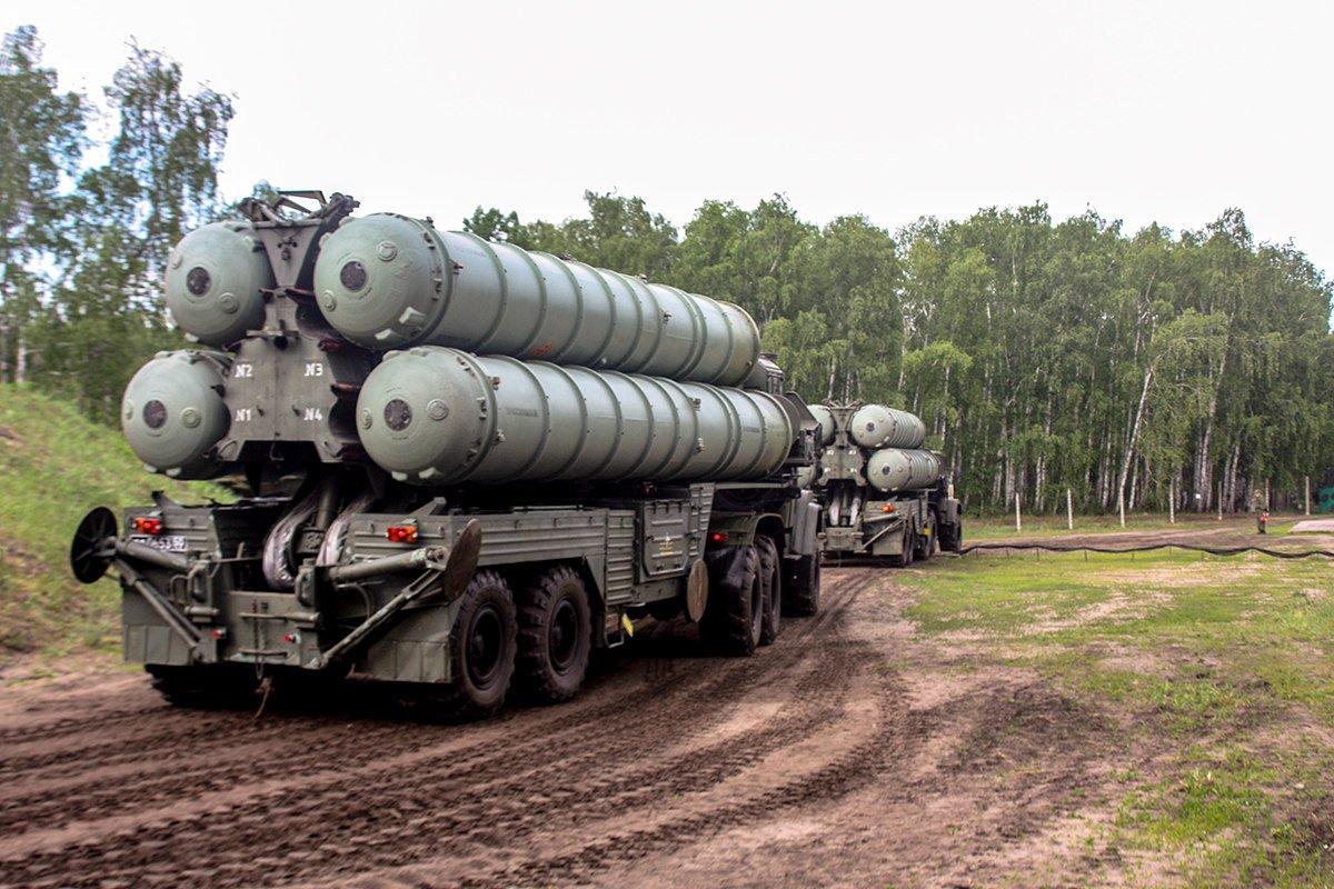 Под Ростовом ЗРС С-300 отразили удар крылатых ракет условного противника