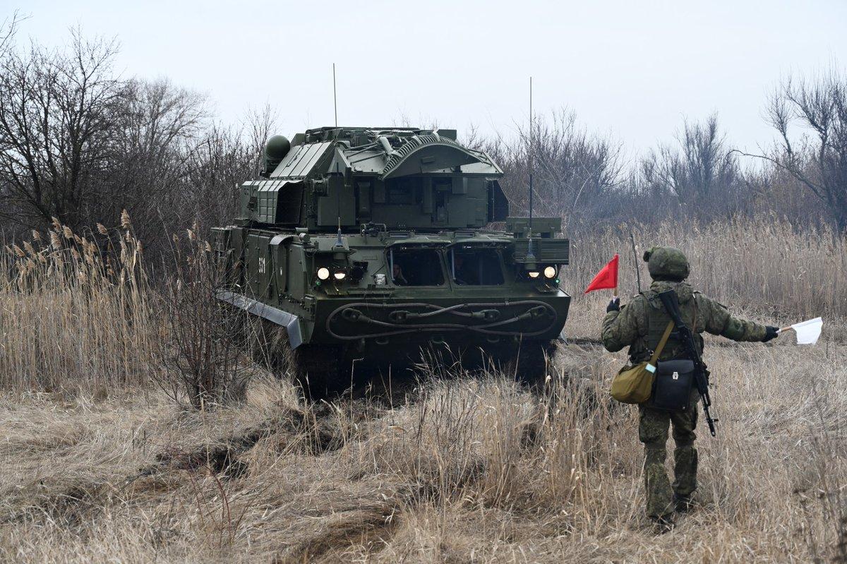 Учения со стрельбами ЗРК «Тор-М2У» прошли на полигоне в Бурятии