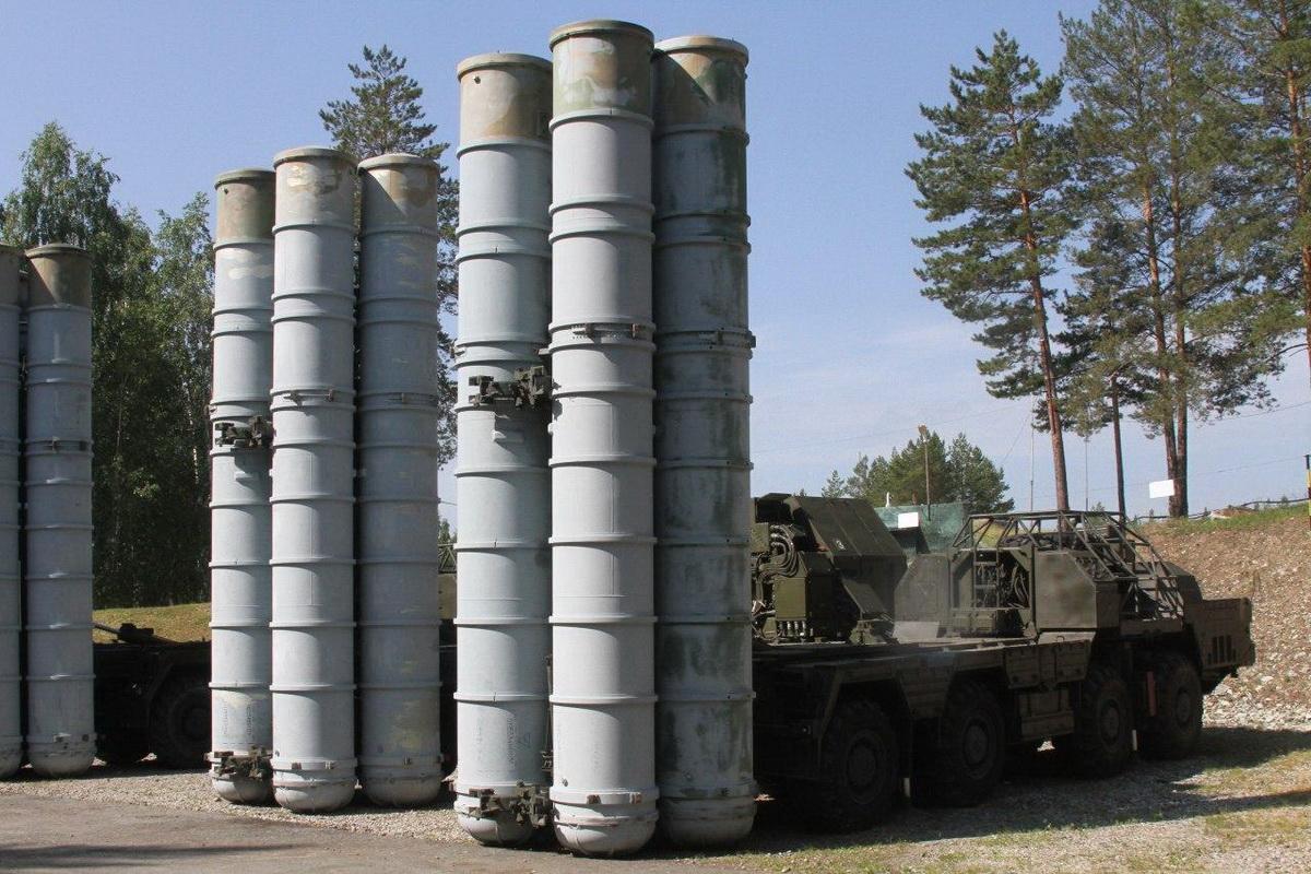 В трех регионах РФ прошло учение с командными пунктами зенитных ракетных полков ЦВО