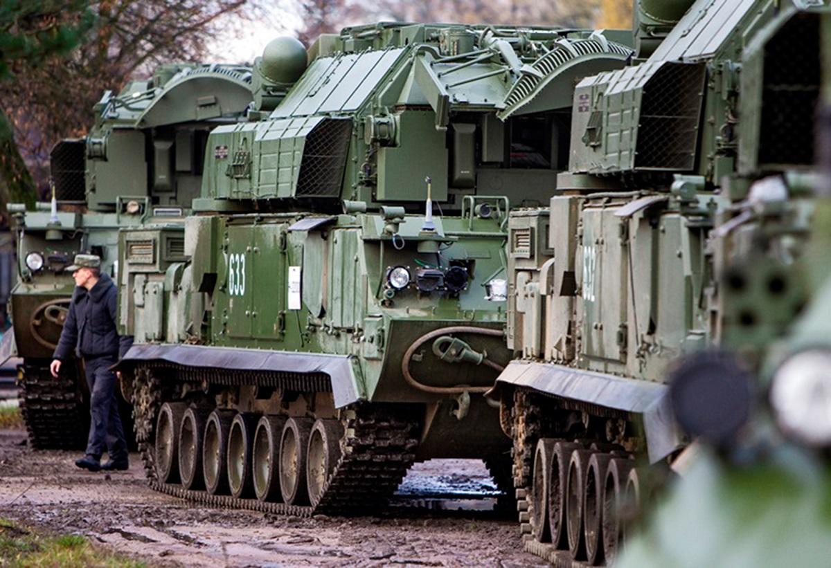 Расчеты ЗРК «Тор-М2» отразили условную воздушную атаку в Подмосковье