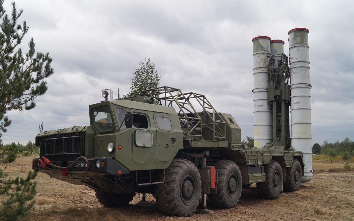 Боевые расчеты систем ПВО С-300 поразили 20 воздушных целей на учении в Свердловской области