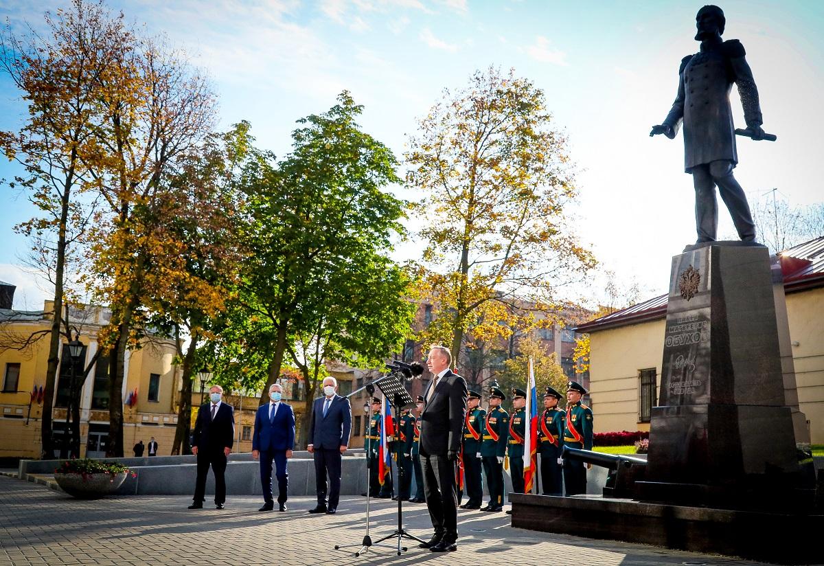 На Обуховском заводе в Петербурге открыли памятник его основателю