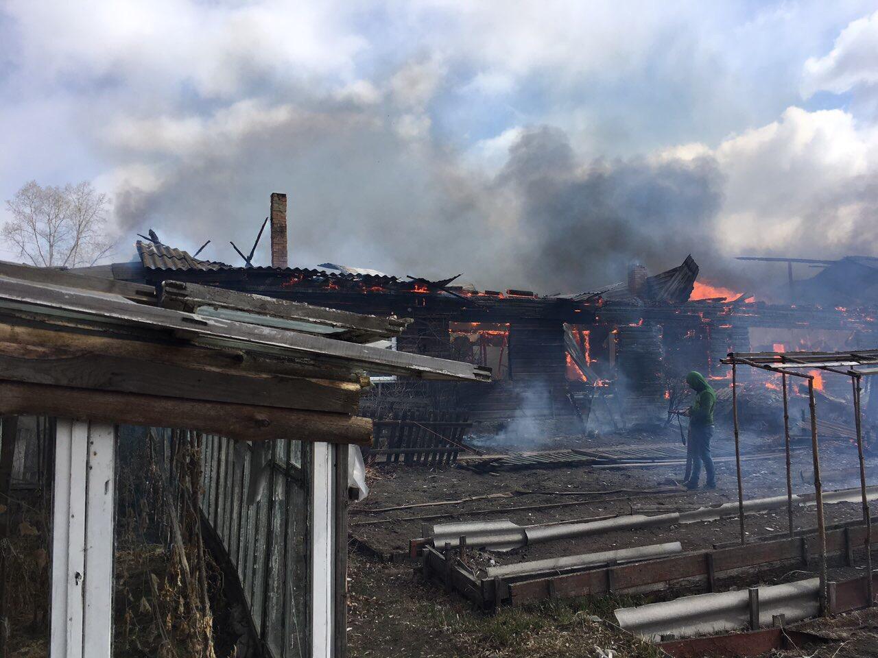 Семь домов сгорело в нижегородской деревне
