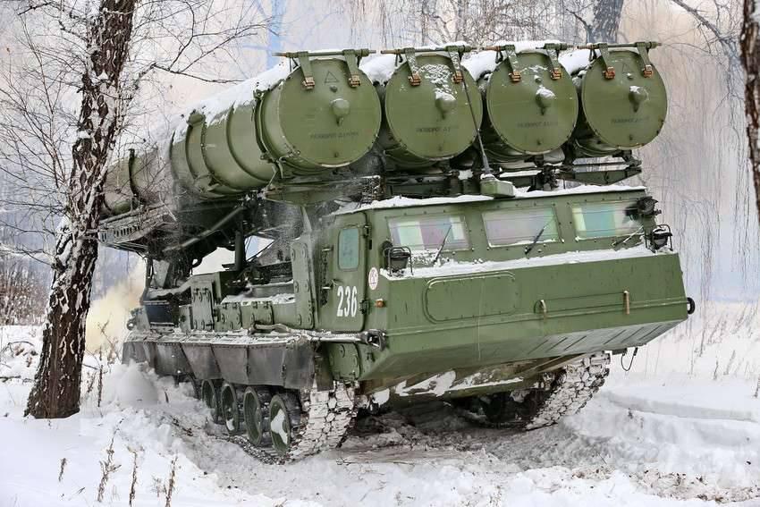 Зенитная бригада с комплексами С-300В4 сформирована на южных рубежах РФ
