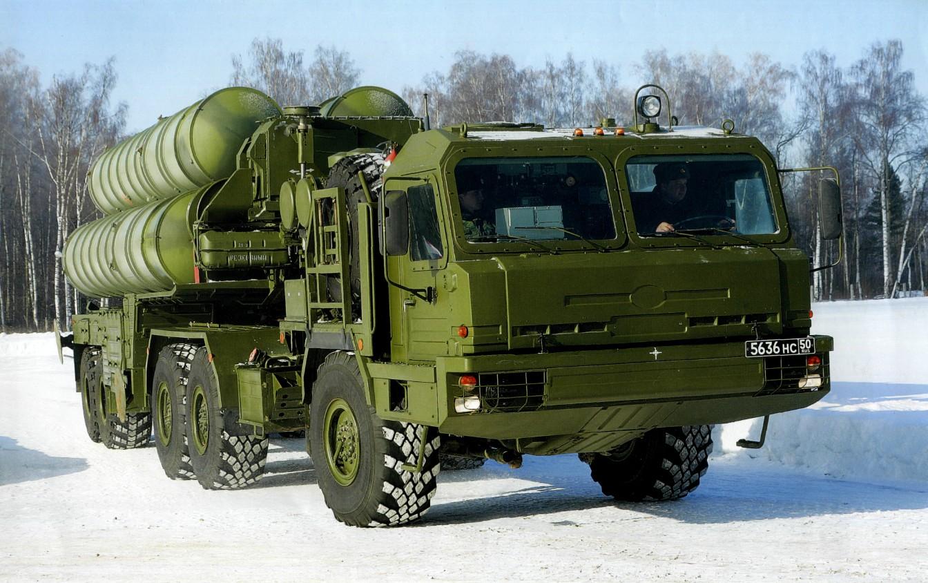 Боевой потенциал полков Урала и Поволжья возрастет вдвое после поступления ЗРС С-400