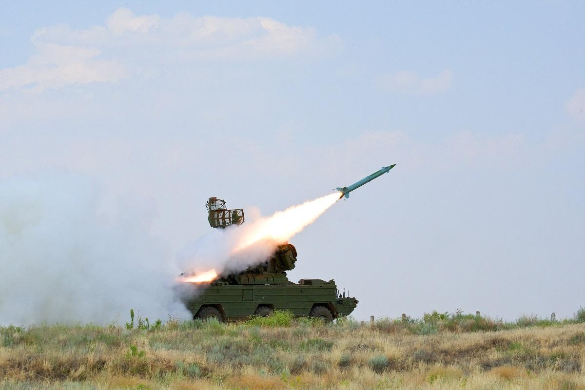 Расчёты комплексов «Оса» выполнили боевые пуски зенитных ракет в на учении Крыму